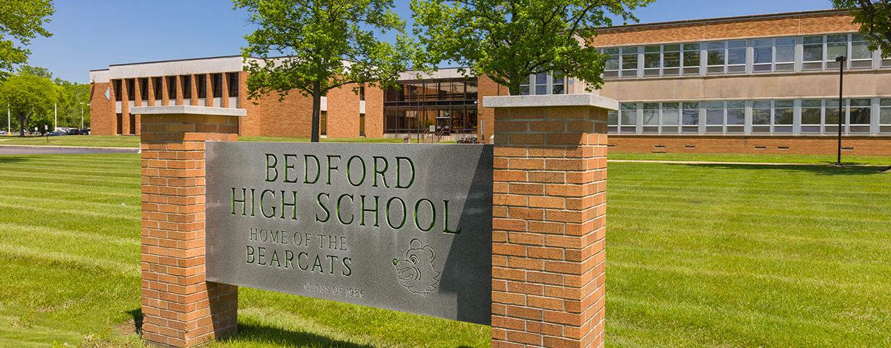 Bedford High School / Homepage